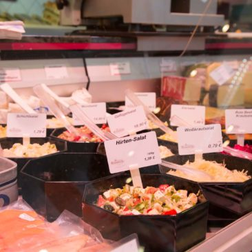 Hausgemachte Salate und Grill-Spezialitäten
